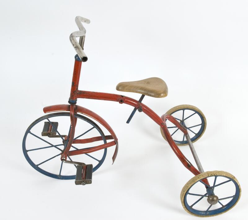Trehjulsykkel, utstilt i «Elle Melle Deg Fortelle» (Foto/Photo)