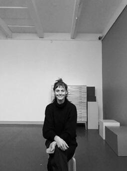 Masterstudent Amalia Wiatr Lewis fra KIT på plass i Trondheim kunstmuseum (Foto/Photo)