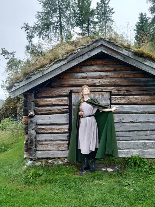 Kong Sverre trenger flere birkebeinere, bli med å øve på sverdkamp, lage skinnpung, kjepphestkonkurranse med mer! (Foto/Photo)