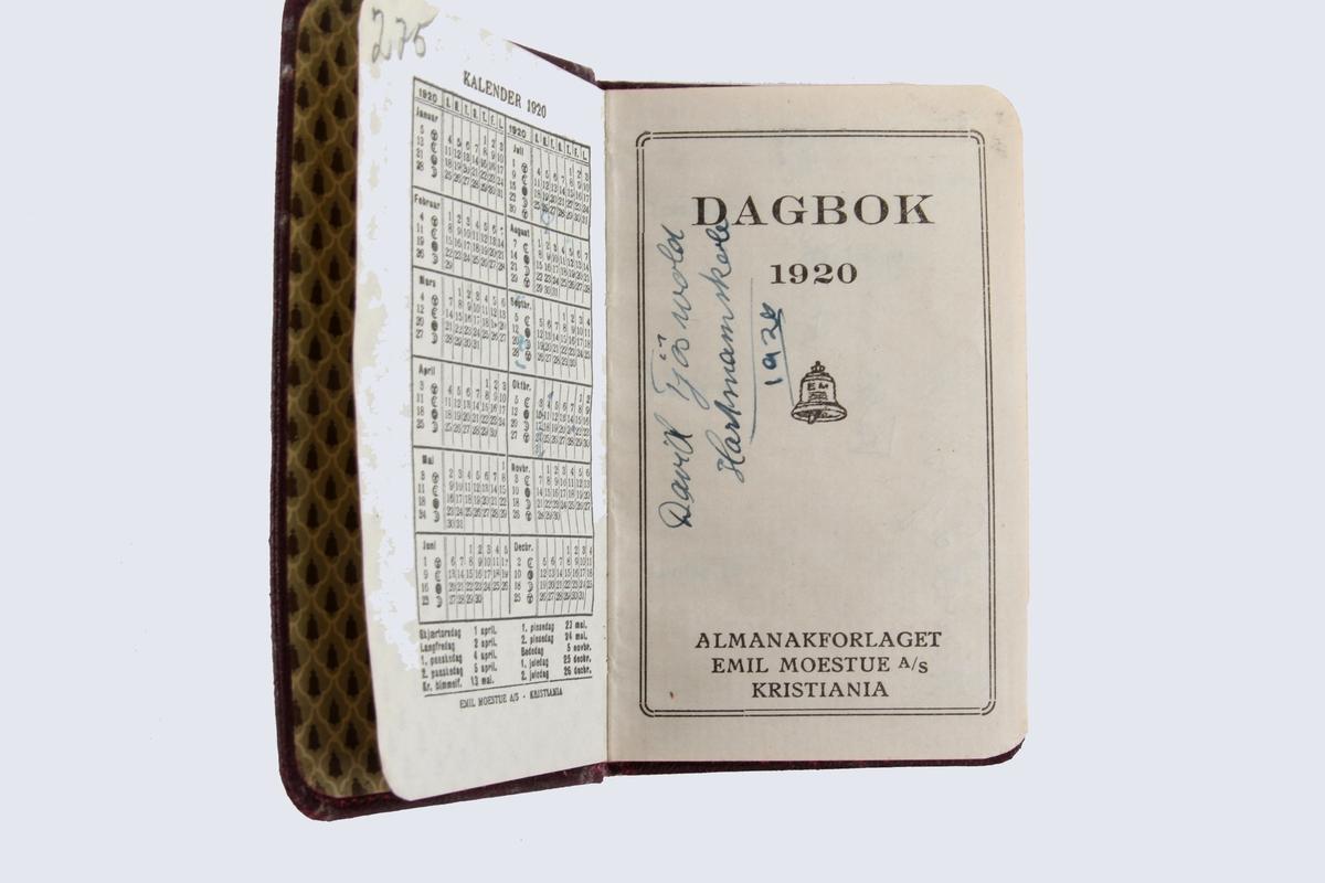 To almanakker fra 1920 og 1939. Inneholder noen frimerker, en billett og et medlemskort