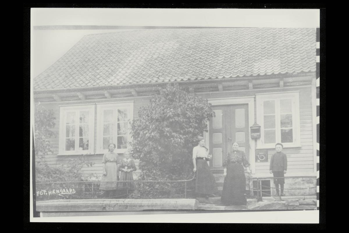 eksteriør, postkontor, 4640 Søgne, postkasse, postskilt, kvinner, menn
