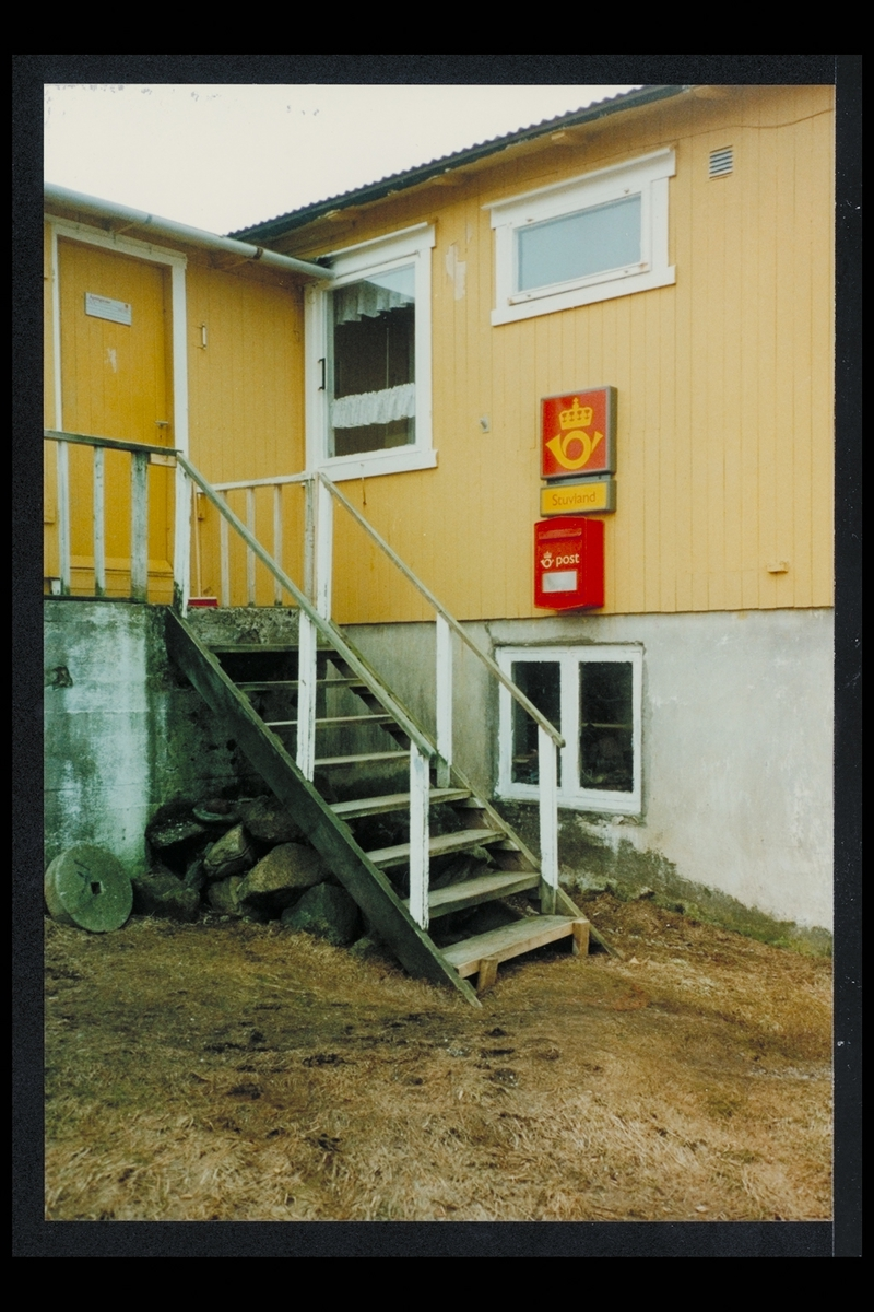eksteriør, postkontor, 8733 Stuvland, Sandnessjøen, postkasse, postskilt