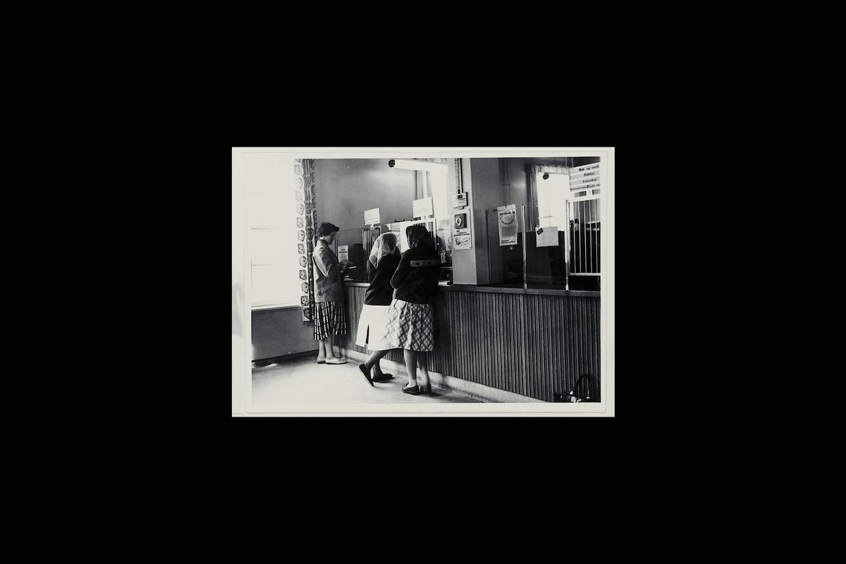 interiør, postkontor, 9300 Finnsnes, publikumshall, kunder