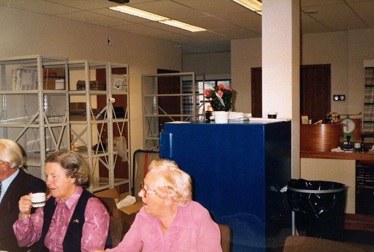 interiør, postkontor, 5212 Søfteland, fra åpningen