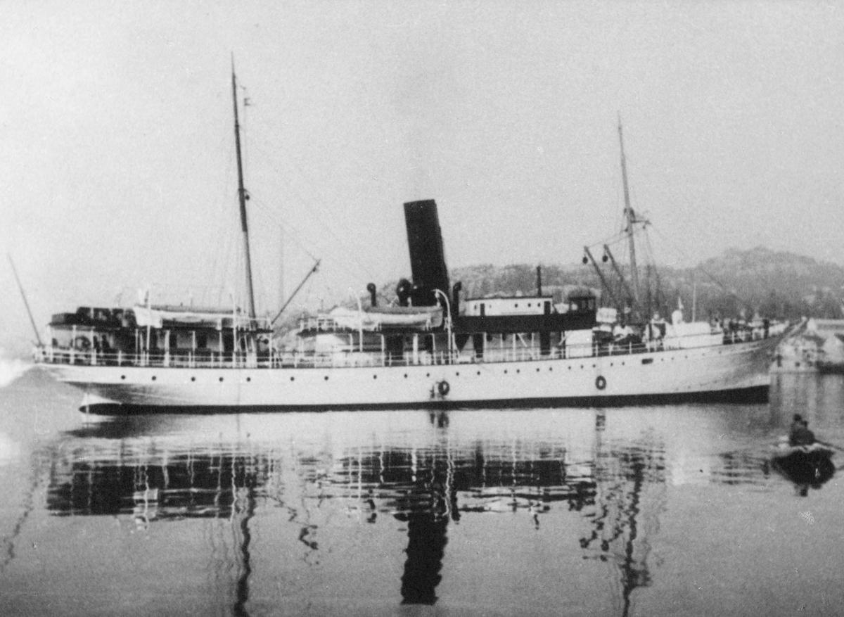 transport båt, eksteriør, D.S. Dronningen, Oslo-Bergen