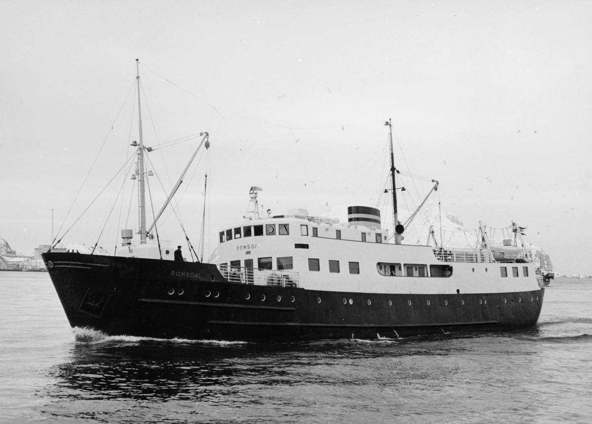 transport båt, eksteriør, M/S Romsdal