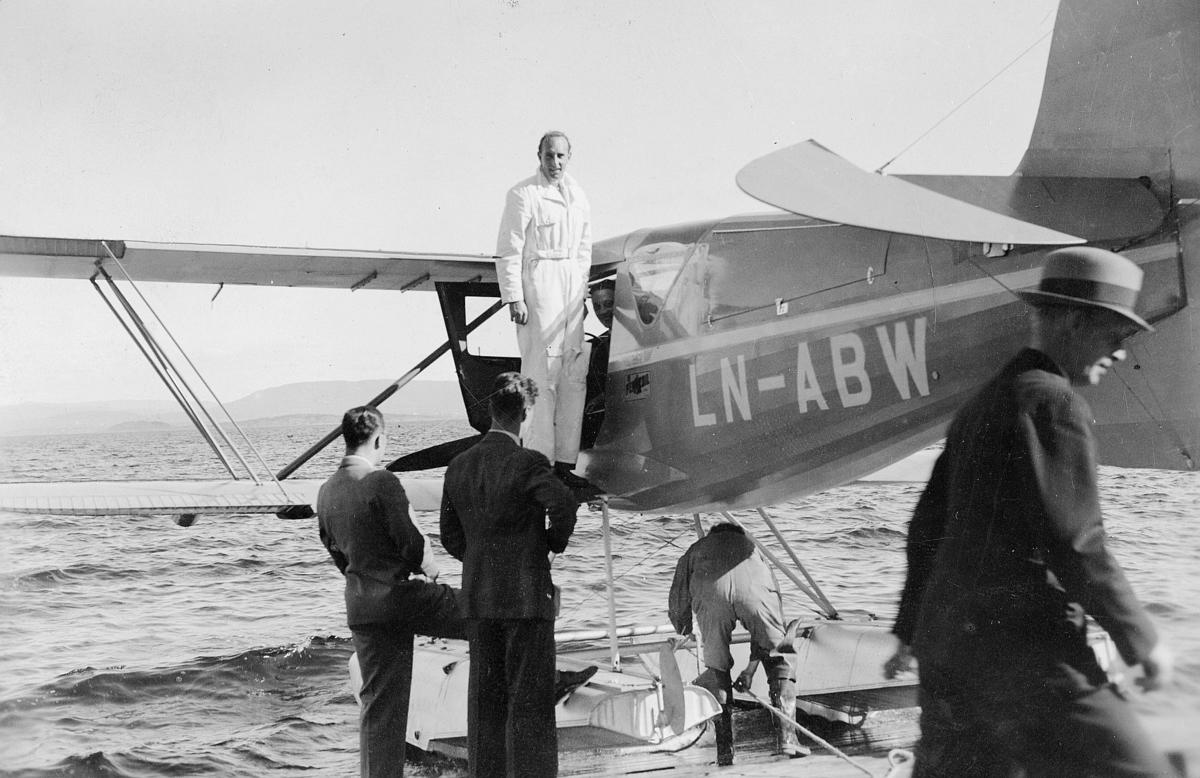 transport, fly, eksteriør, sjøfly, Waco, Oslo-Haugesund, på vann, menn