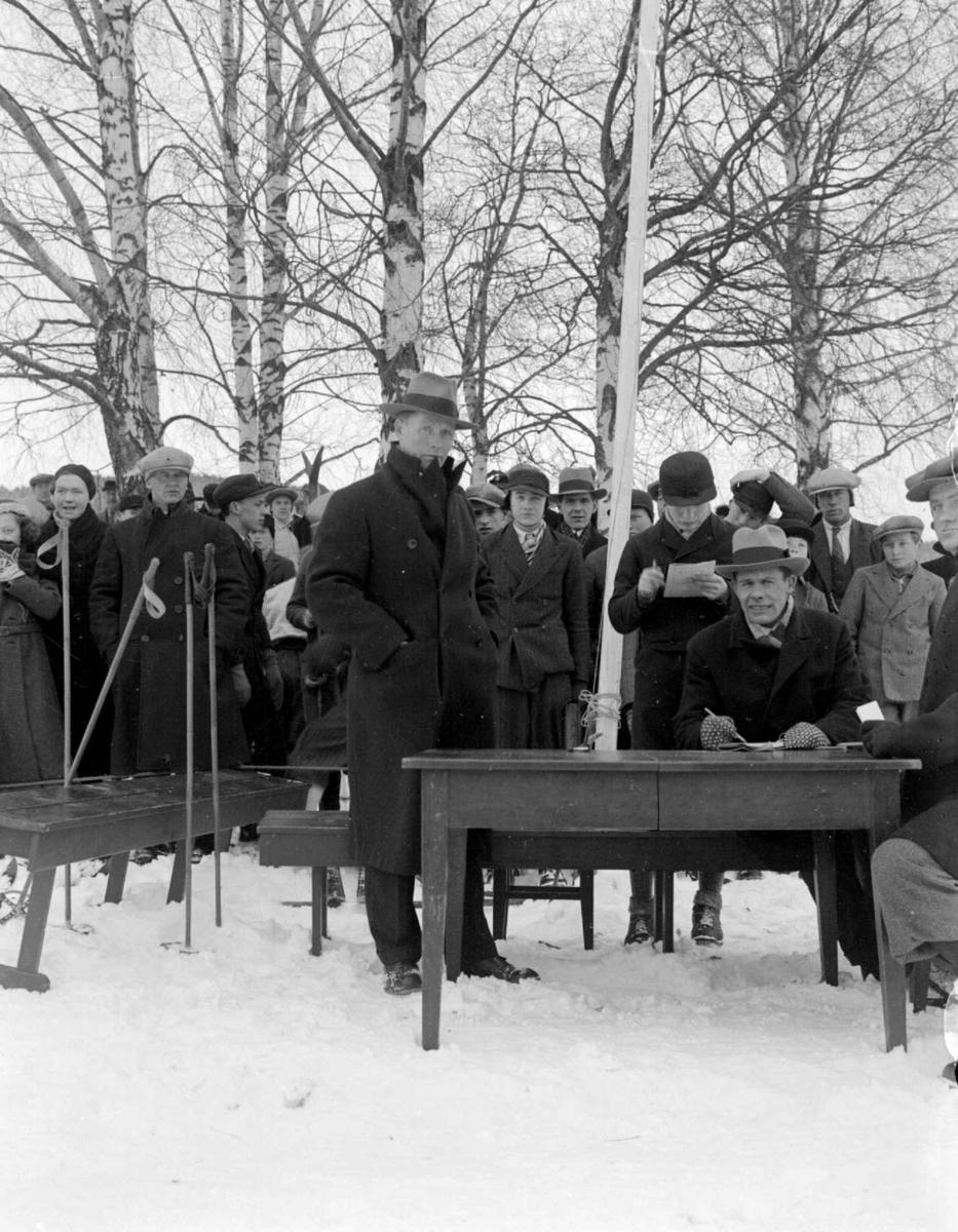 Skirenn. Lillehammerrennet 1934. Med dommer Riddervold.