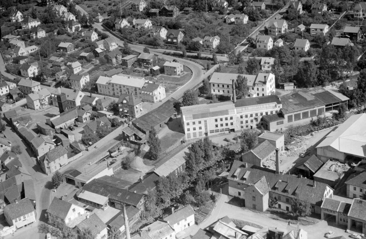 Flyfoto, Lillehammer, Mesna Bruk, Lillehammer bryggeri, Lysgårdsvegen og Nordsetervegen fra Lilletorget og oppover