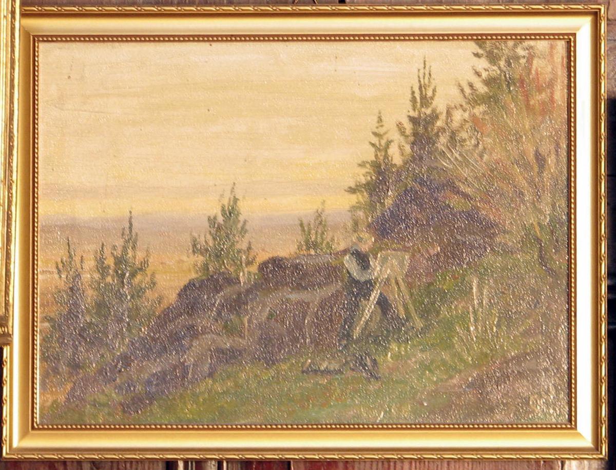 Landskap; gressbakke m. maler, staffeli; bergrabber, trær; vid utsikt tilv., gulig himmel