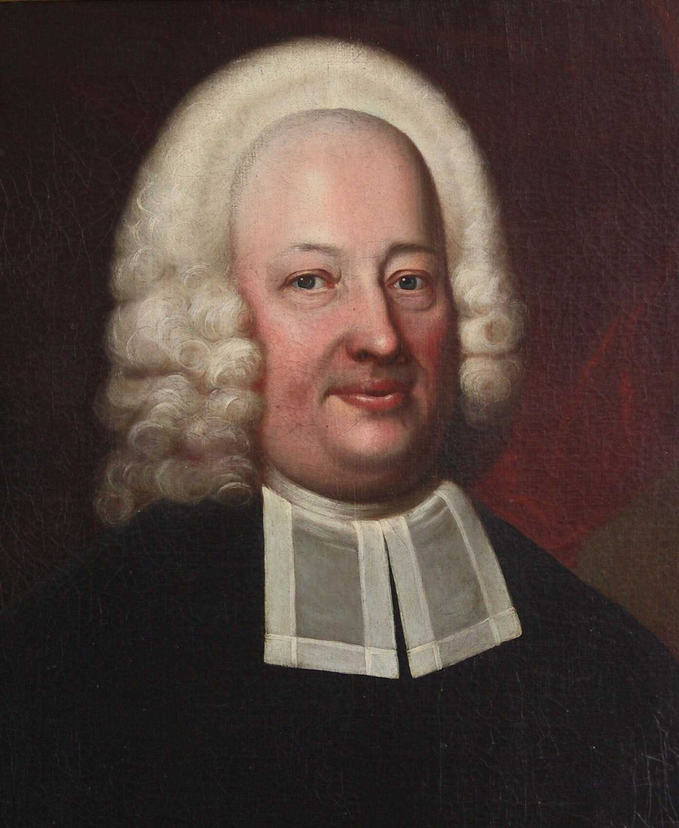 Portrett av magister Peder Jacobsøn Brinch,  1668 - 1720, Mannsportrett, geistlig i prestedrakt, halvfigur.  Fyldig ansikt, hvit allongeparykk, halsbind m. to nedhengende som på den nuv. svenske prestedrakt. Bakgr. gråbrun, m. dyprødt draperi.  Portrettet er meget godt malt.  Lanc. ,s n. bill. kant sanns. nyere overmaling. Arendals første sogneprest.