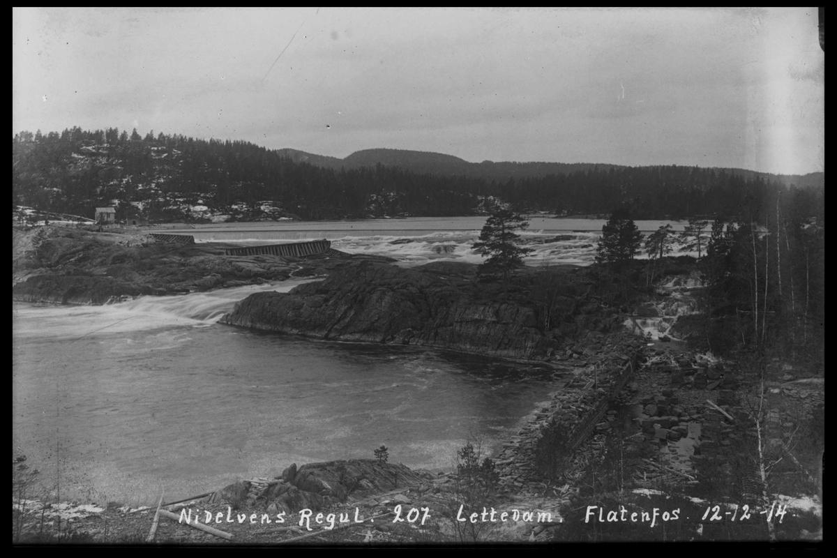 Arendal Fossekompani i begynnelsen av 1900-tallet CD merket 0446, Bilde: 72 Sted: Flatenfoss løftedam Beskrivelse: Regulering