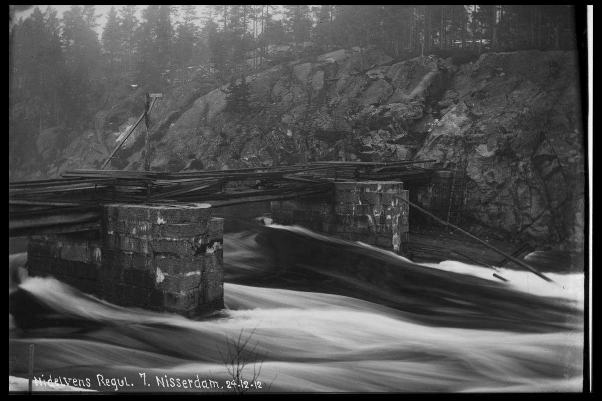 Arendal Fossekompani i begynnelsen av 1900-tallet CD merket 0565, Bilde: 30 Sted: Nisser Beskrivelse: Damregulering