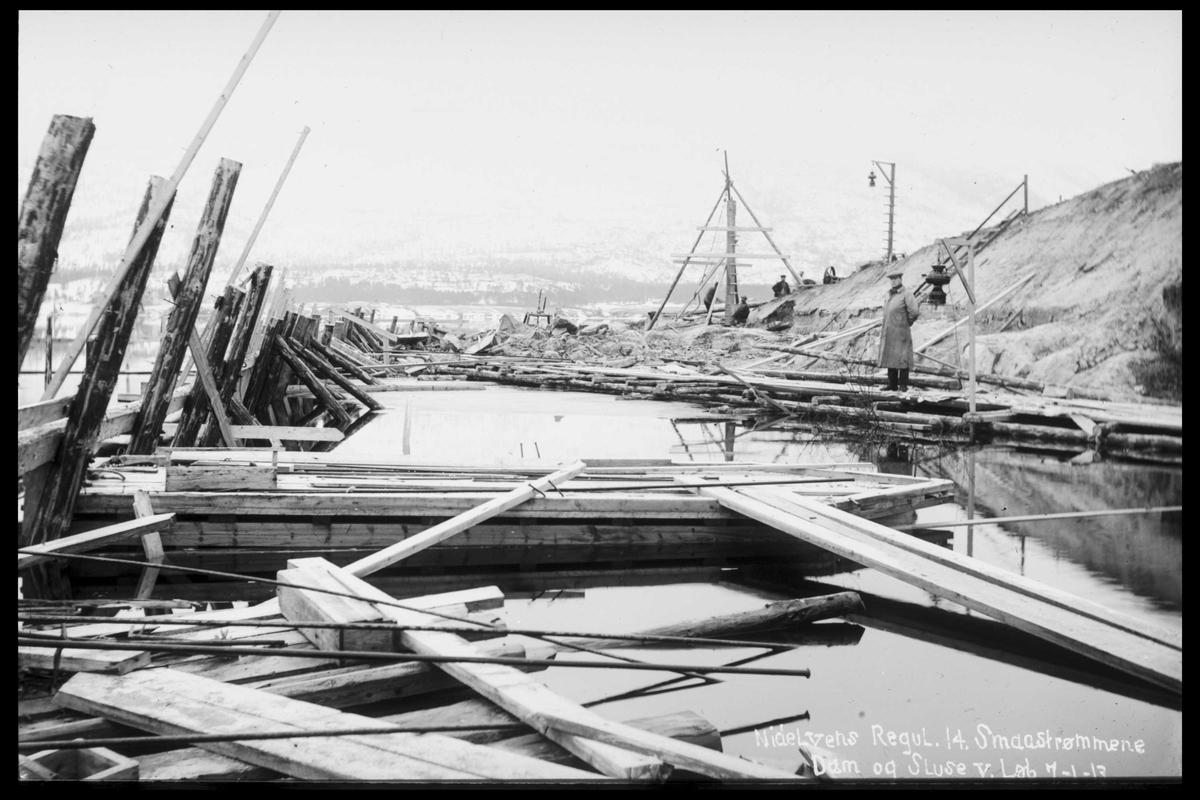 Arendal Fossekompani i begynnelsen av 1900-tallet CD merket 0565, Bilde: 31 Sted: Elva nord i vassdraget Beskrivelse: Regulering av småstraumen