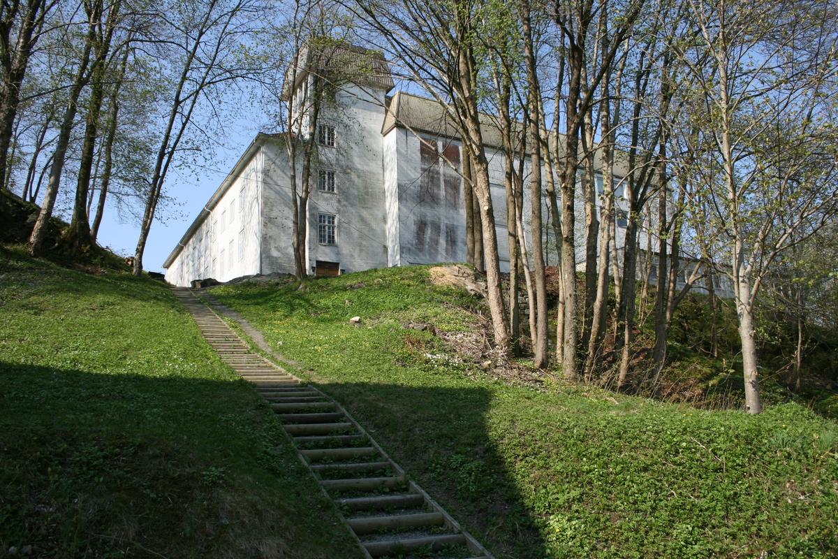Aust-Agder kulturhistoriske senter, i 2009. Trappa opp fra Barbudalen.