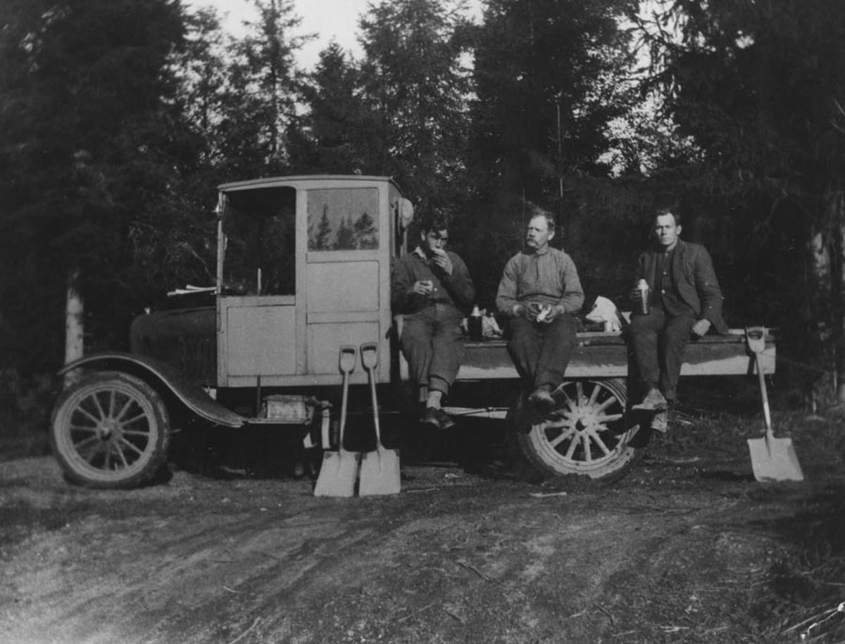 Ski kommunes første lastebil. Ford TT 1920-27