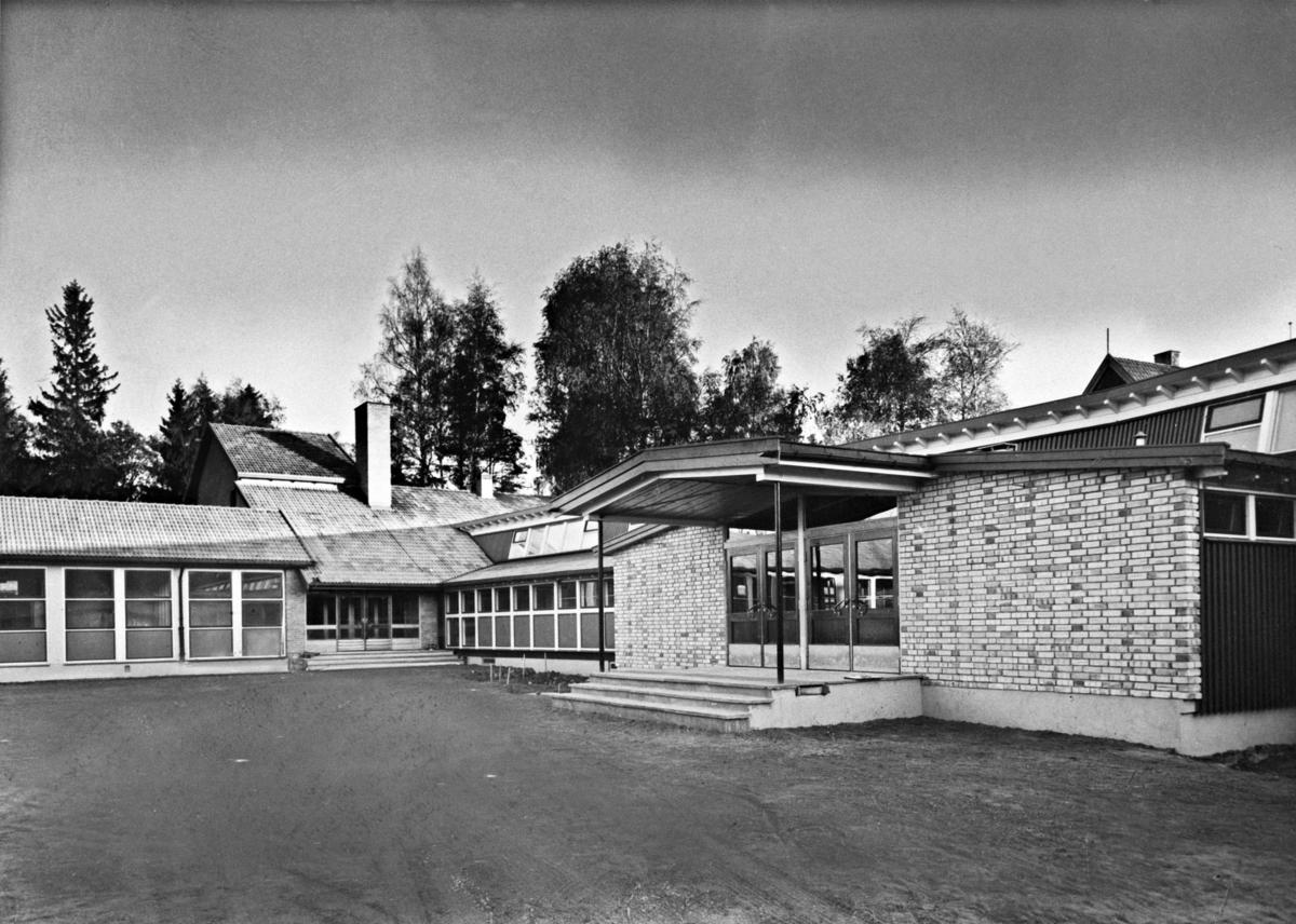 Fjellhamar skole, ny fløy fra 1955.