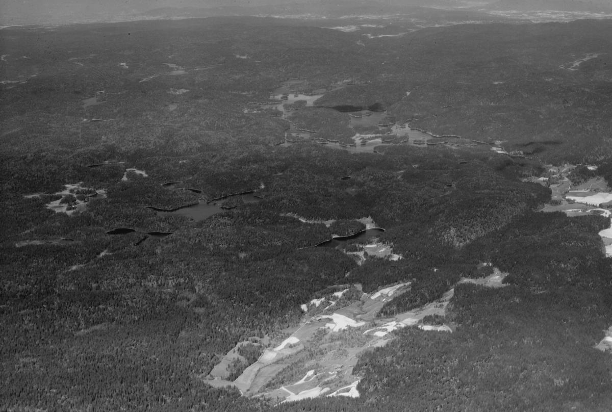 Ekeberg skog Holmetjern, Tuggerudtjern, og Børtervann, Ekebergdalen til høyre