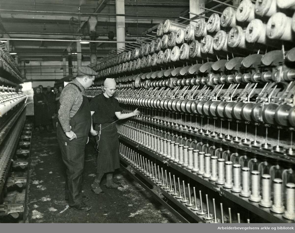 Spinnemaskiner på Christiania Seilduksfabrikk,.1938