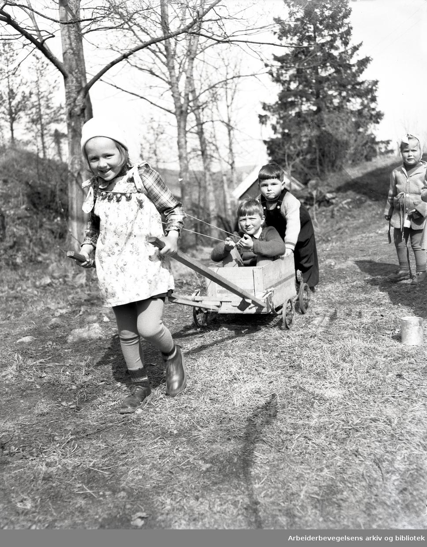 Hellerud barnehage,.april 1949
