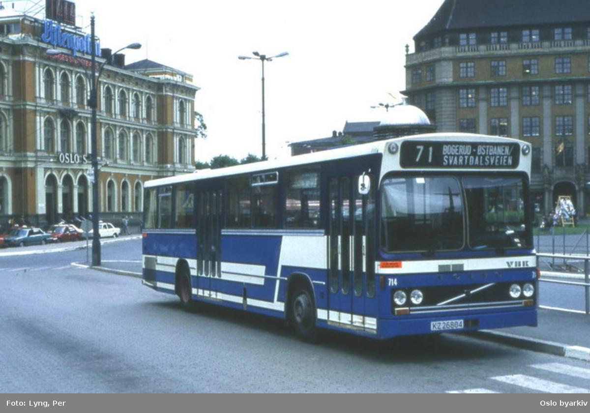 Oslo Sporveier buss 714 linje 71, demobuss fra VBK med Volvo chassis avvikende fargesetning