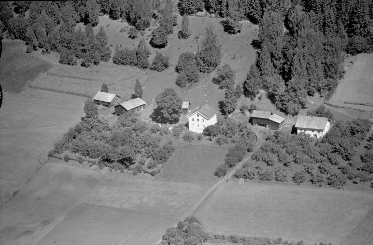 Flyfoto av Ødegarden, Brøttum, Ringsaker.
