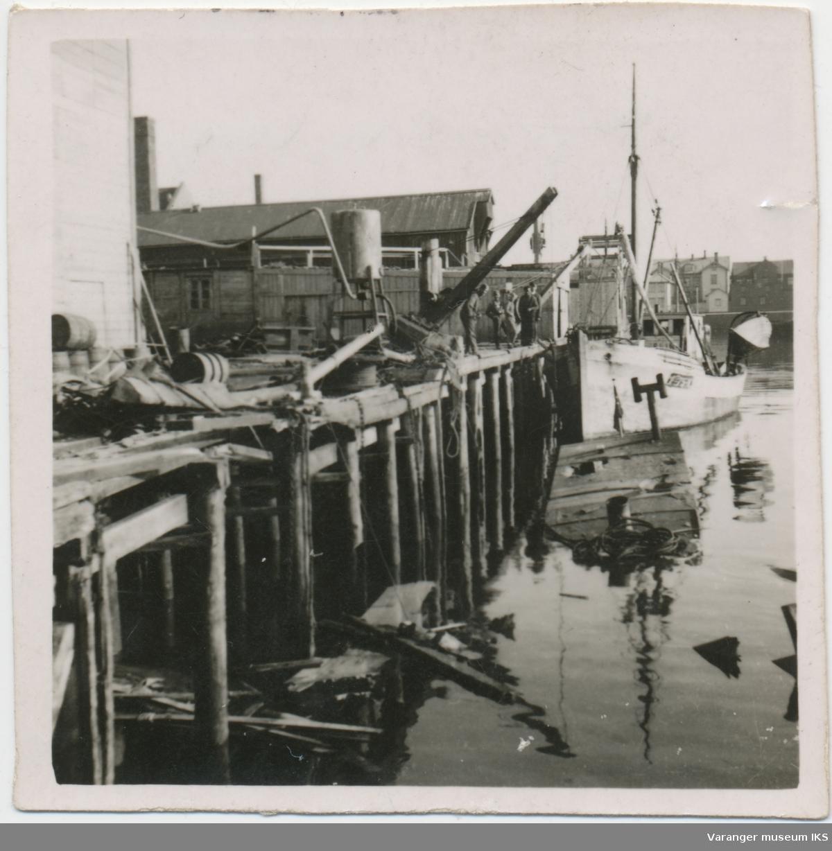 Bombeskadd kaianlegg i Vardø, ca. 1942