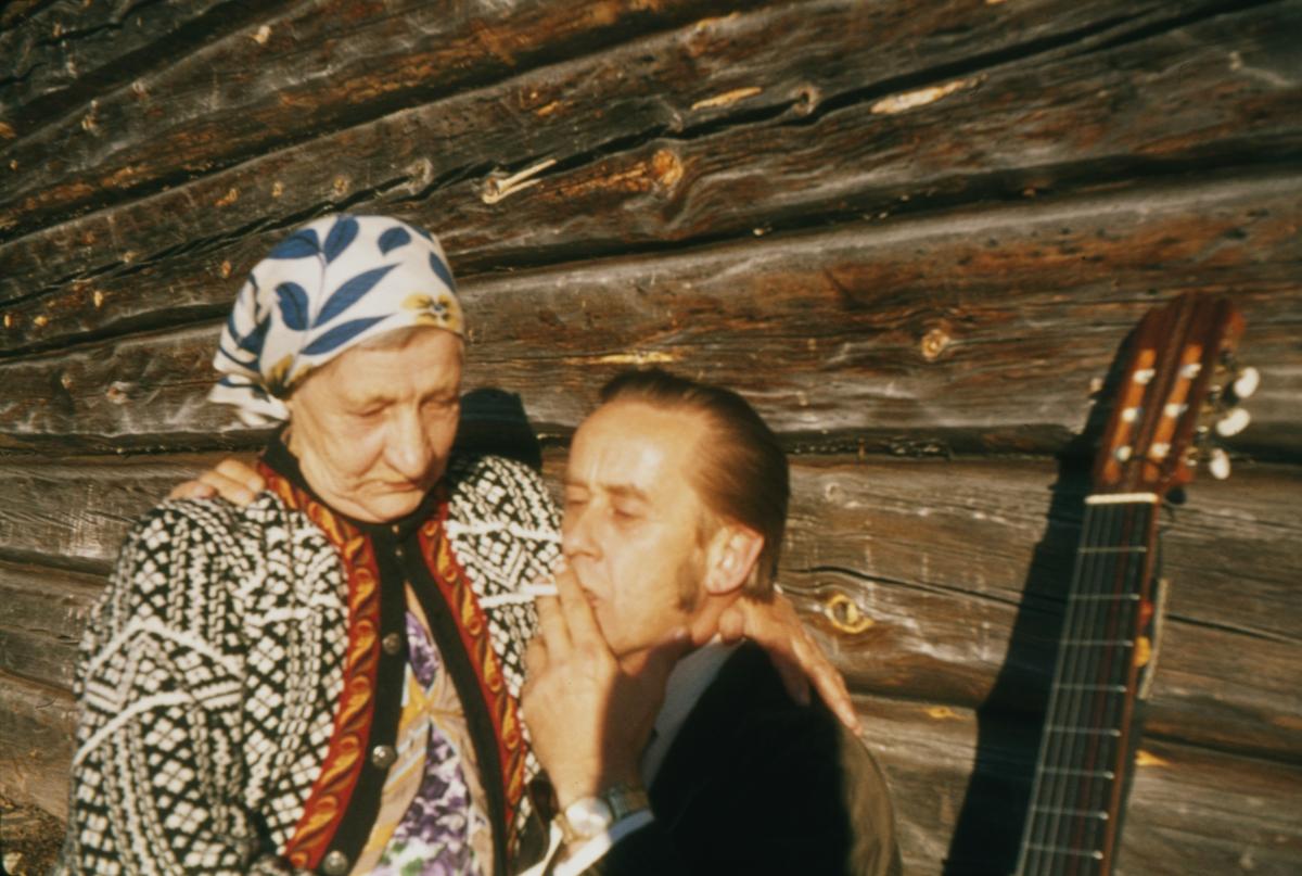 Vidar Sandbeck og Anna Widén(Anna i Ødemarka) på Haugsetvollen