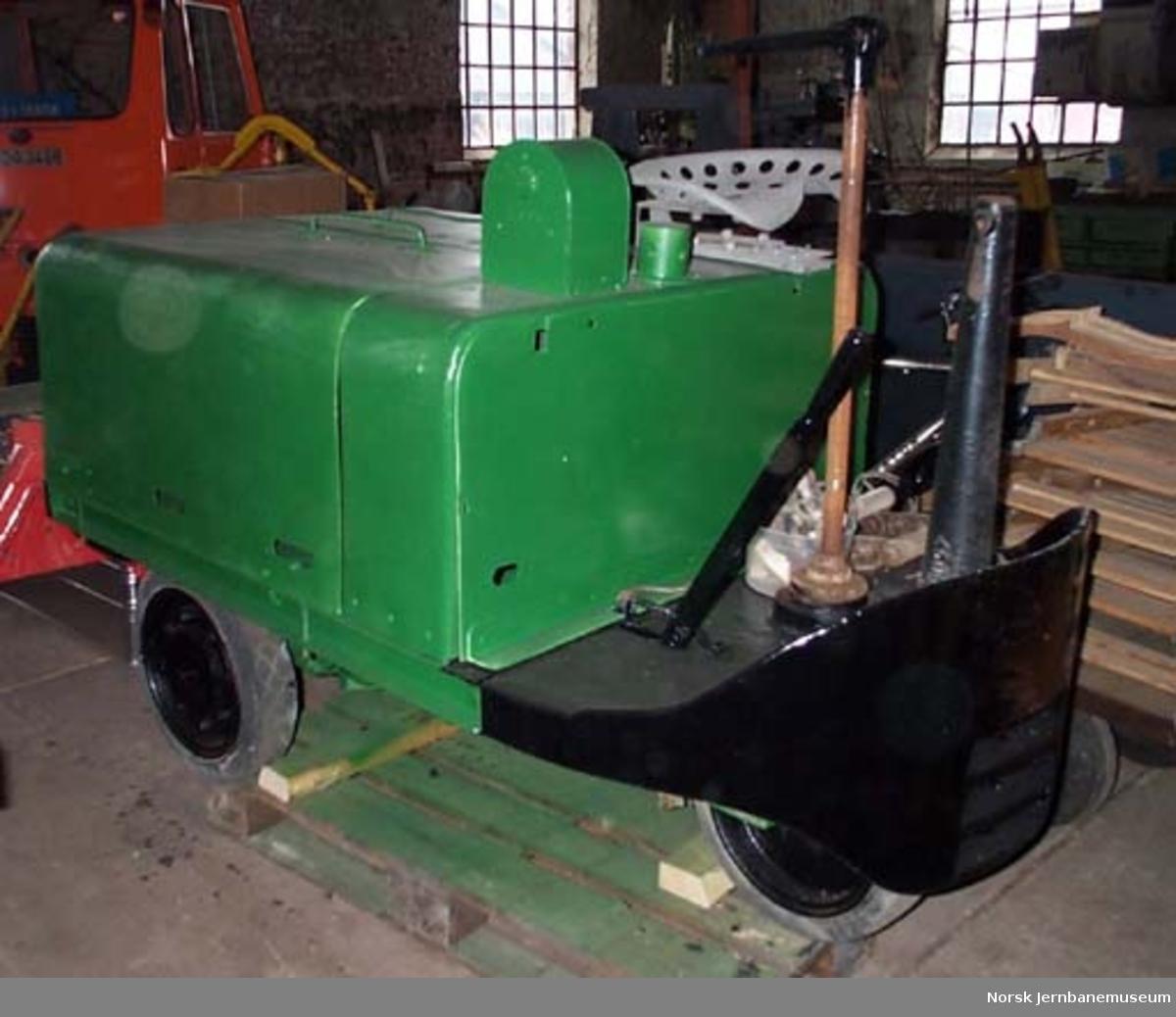 Plattformtraktor med akkumulatordrift - kjøring av reisegods