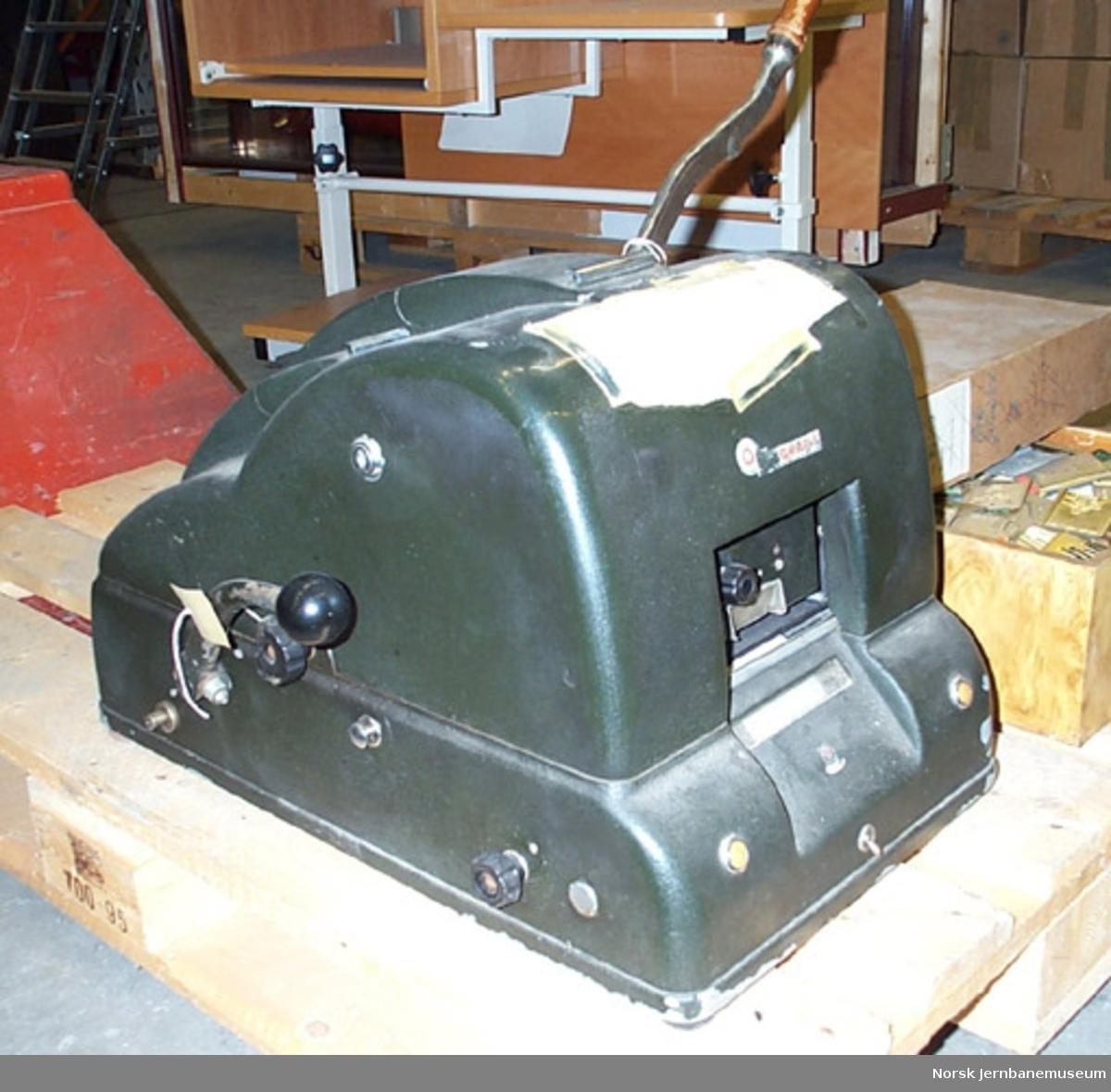 Billettrykkemaskin : elektrisk, med klisjeer - for edmondsonske billetter