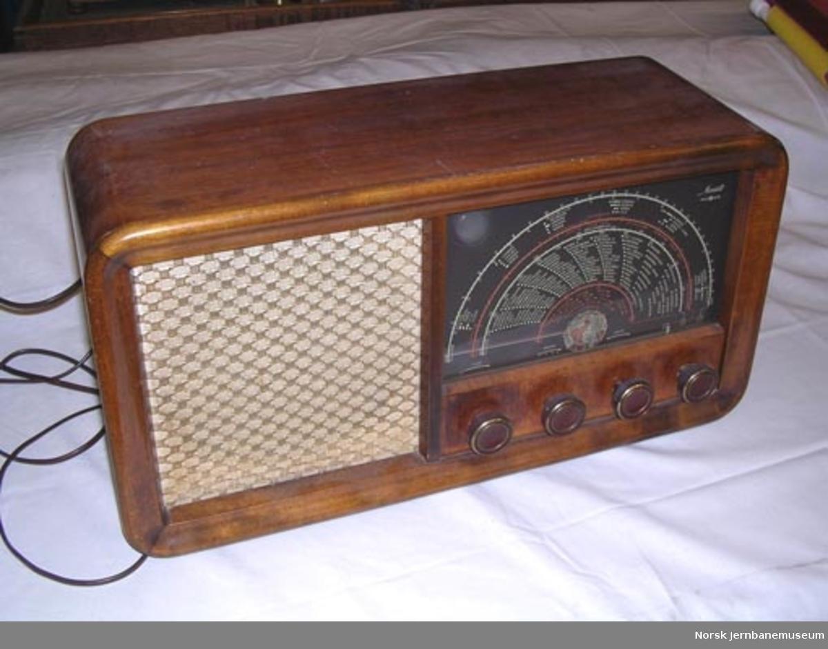 Radioapparat : Radionette Menuett