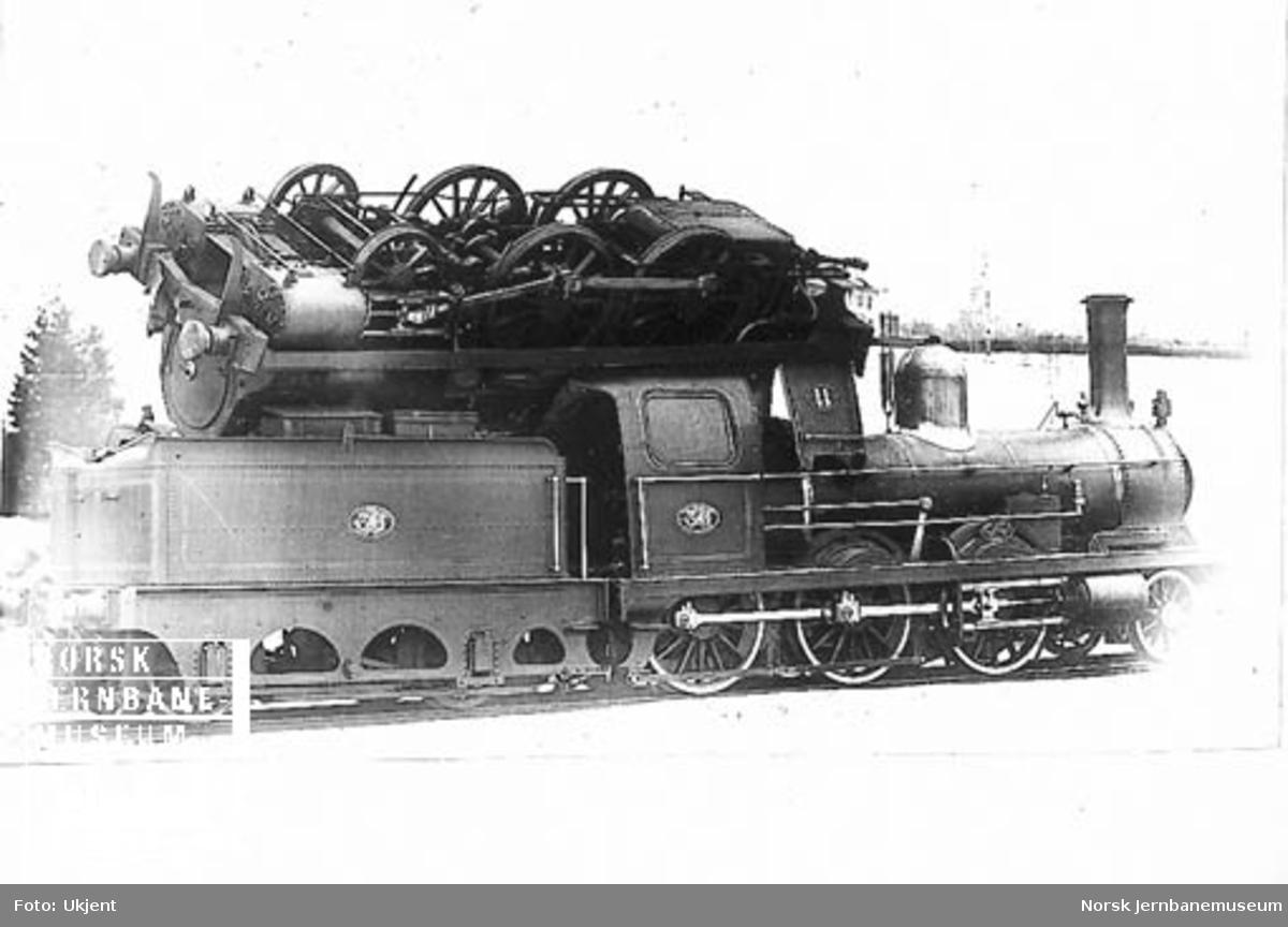 Damplokomotiv nr. 11 på lokomotiv nr. 36 etter kjeleksplosjonen