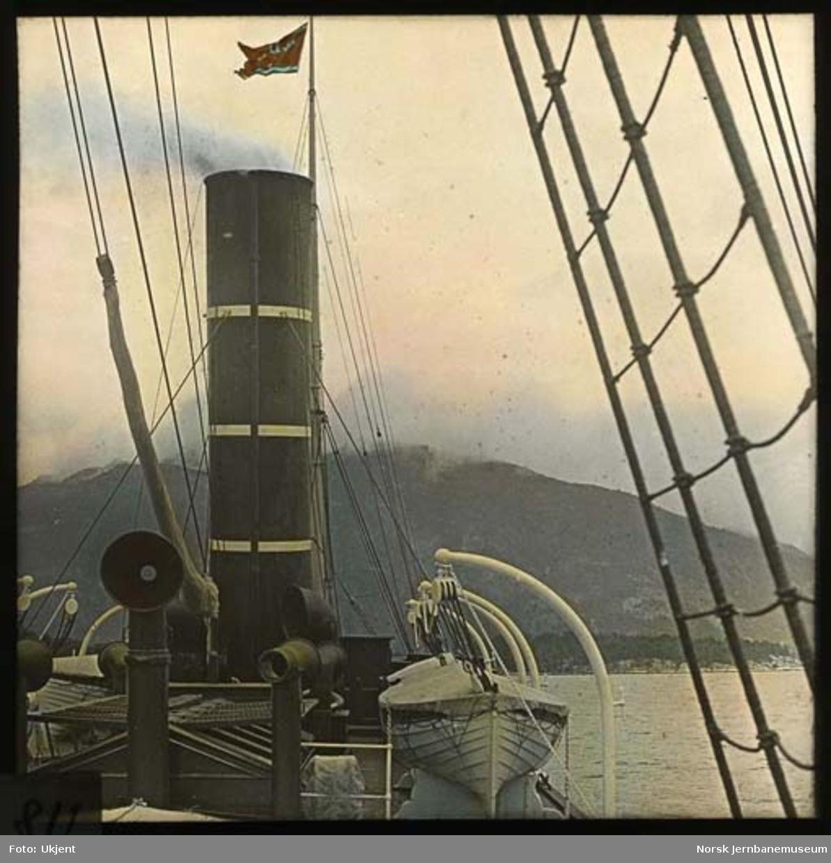 """Ombord i Det Bergenske Dampskipsselskaps """"Mira"""""""