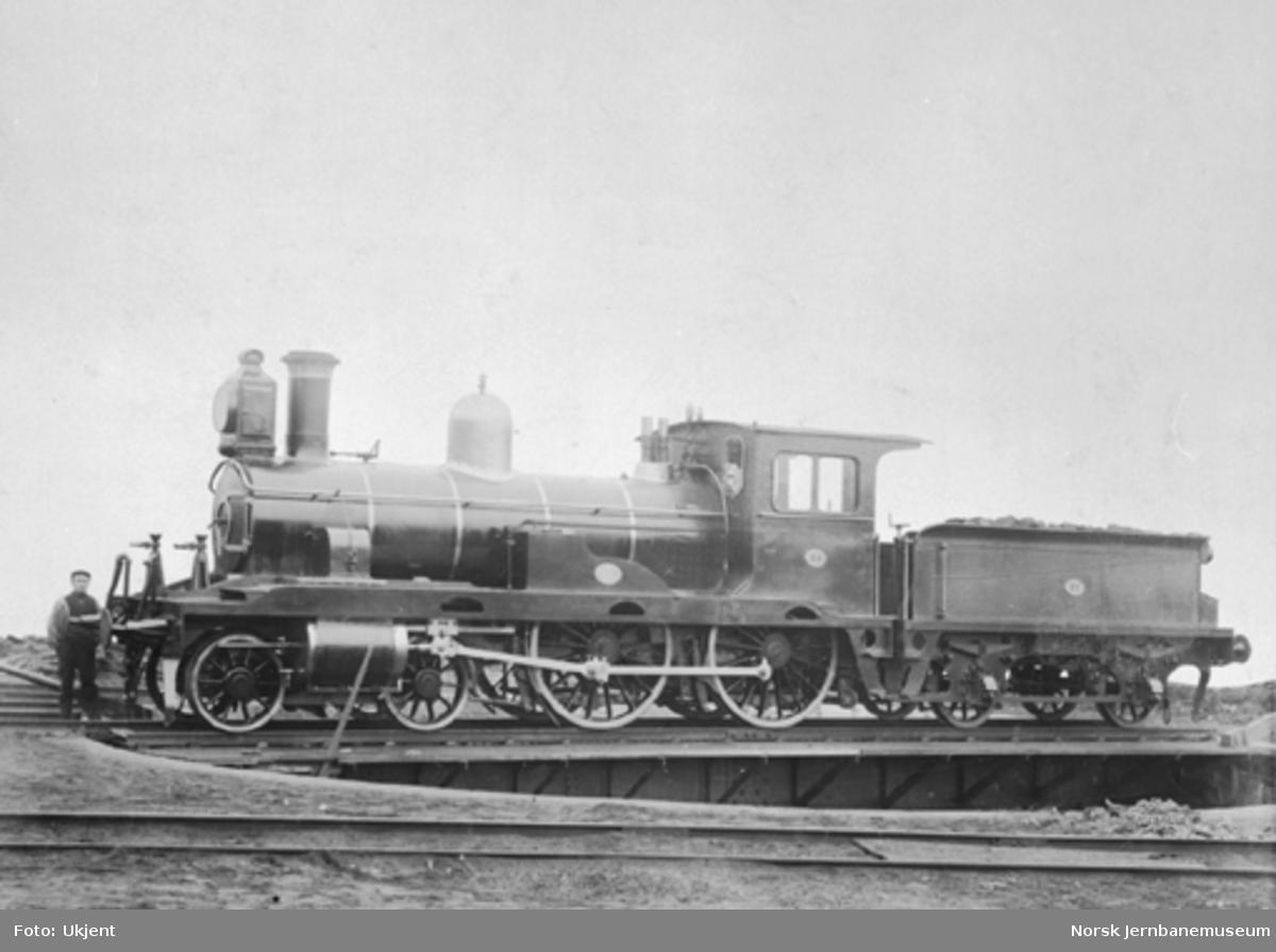 Damplokomotiv type 13a nr. 71 som ny