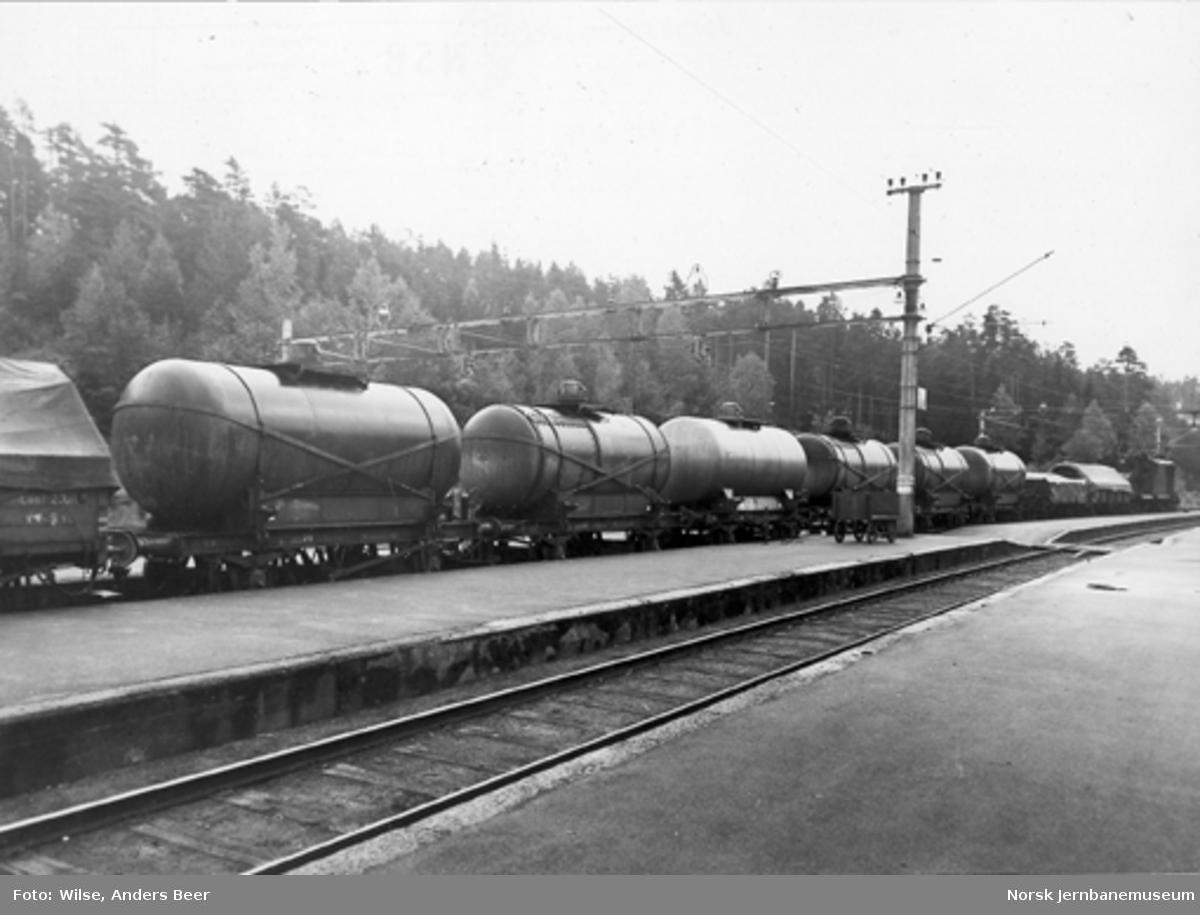 Elektrisk lokomotiv med massegodstog