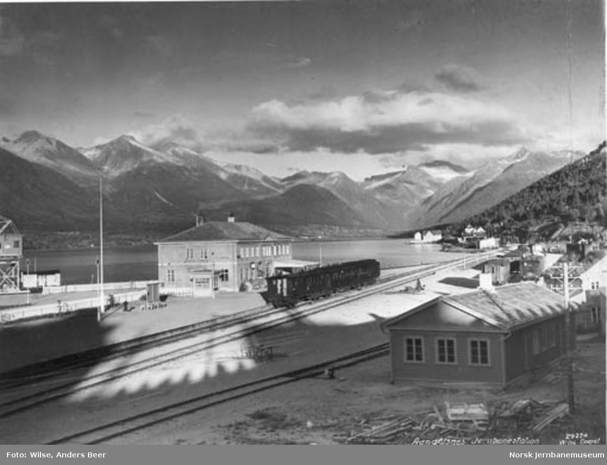 Åndalsnes stasjon