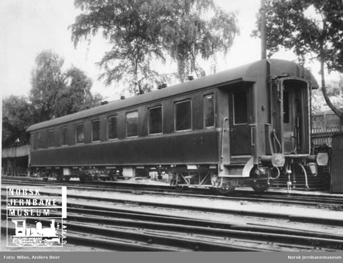 Personvogn litra BCo2c nr. 18151 som ny; NSBs første stålvogn