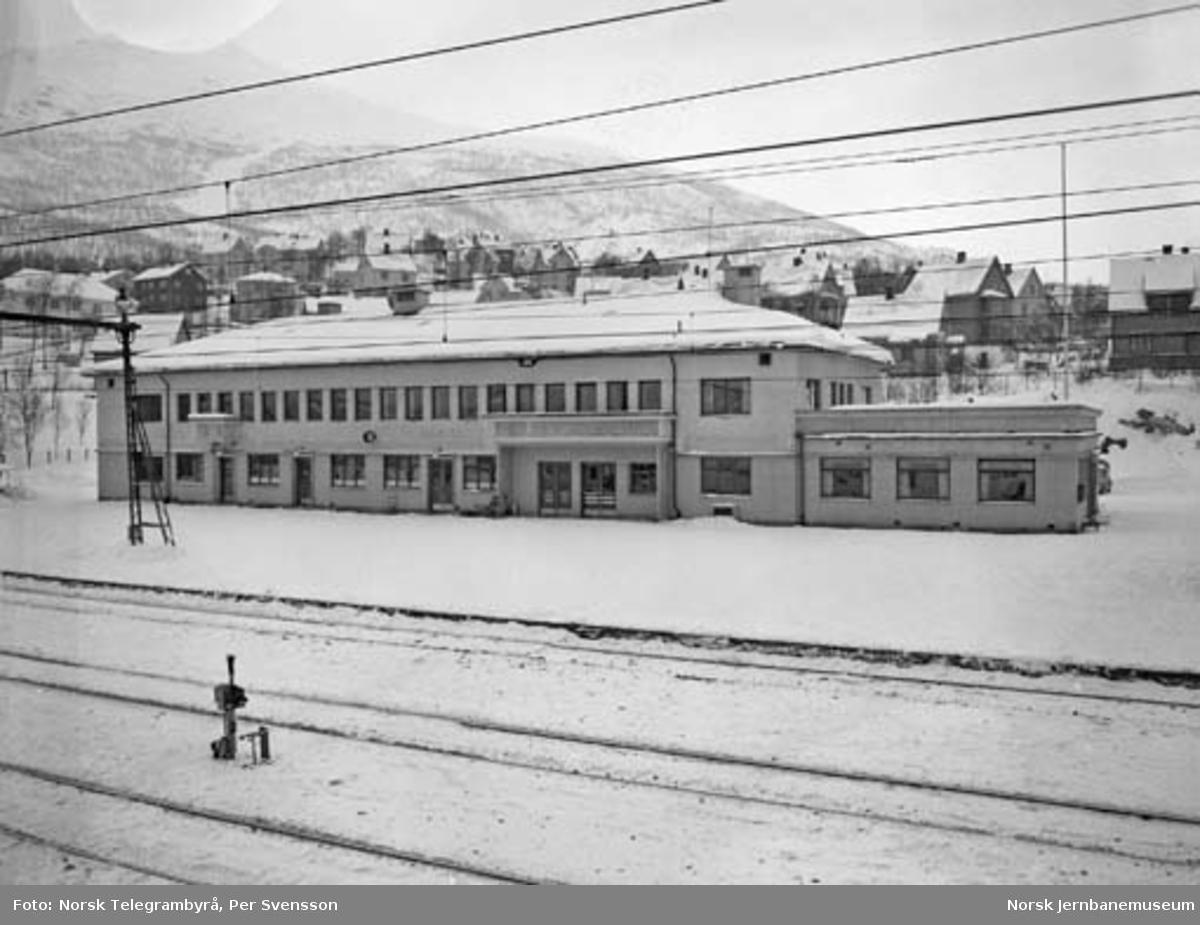 Ofotbanen : Narvik stasjonsbygning