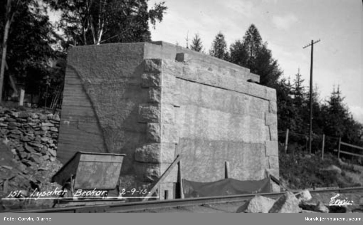 Bygging av bru over Lysakerelva