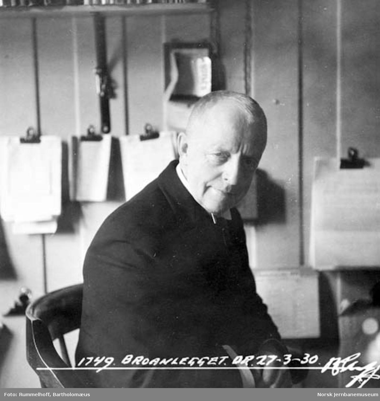 Bygningssjef Lauritz S. Haasted ved bruanlegget ny Drammenbru