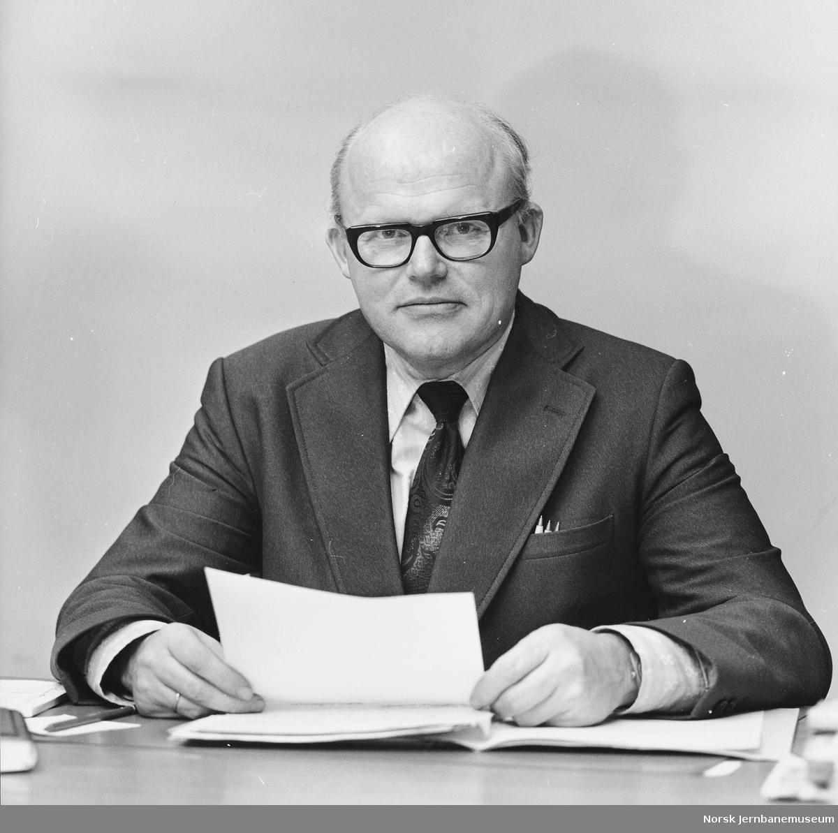 Portrett av jernbanedirektør Knut Skuland