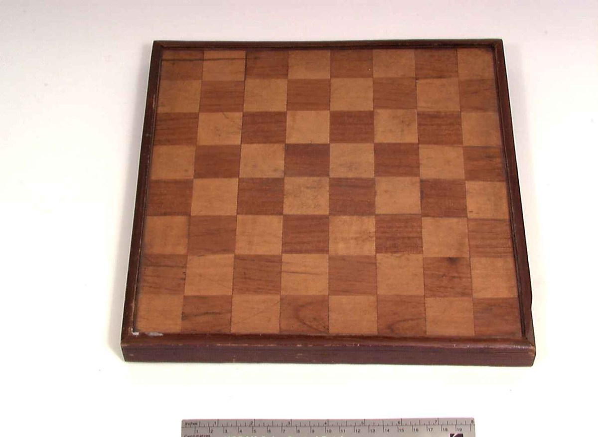 Brett til Dam og Sjakk