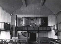 Kirkeinteriør med orgel, Oppdal kirke, Oppdal, Sør-Trøndelag. Fra album. Fra album.