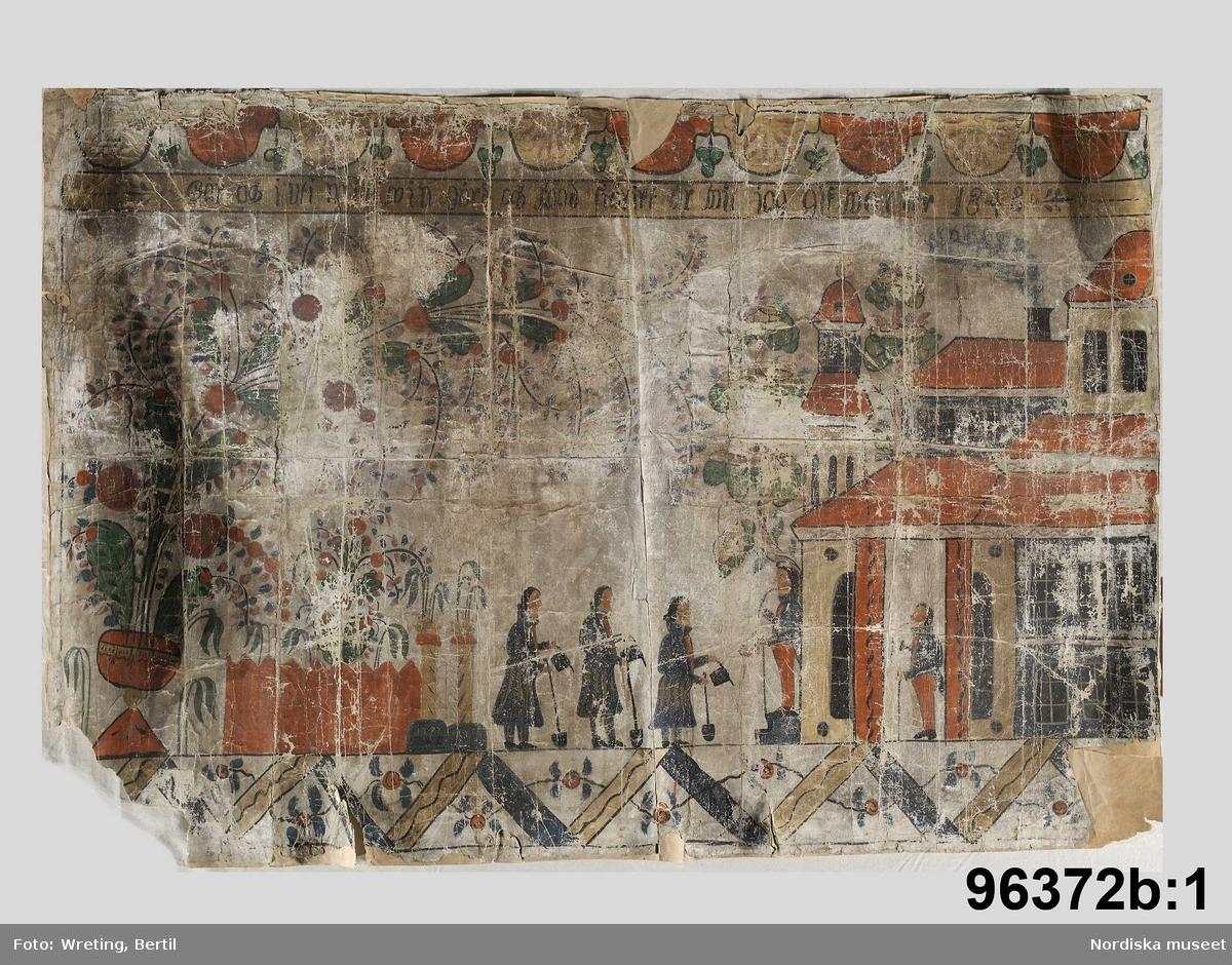 """Huvudliggaren: """"a-b Allmogetapeter, 2 fragment, målade på papper.""""  Utdrag ur bilaga: """"Väggmålning i två delar. Gåfva af hemmaneg. sonen Eriksmatts Johan Eriksson. Räxbo. (målad 1848).""""  Utdrag ur katalogkort 96 372 b:1: """"Inskr.: 'Gån ock I uti min wingård och wad siäligt är wil jag gifwa Är 1848' [attr till] Mats Olof Andersson, 1798-1876."""""""