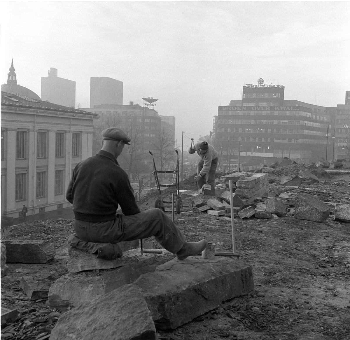Anleggsvirksomhet, Nisseberget, Slottsparken, utsikt over byen, Oslo, oktober 1958