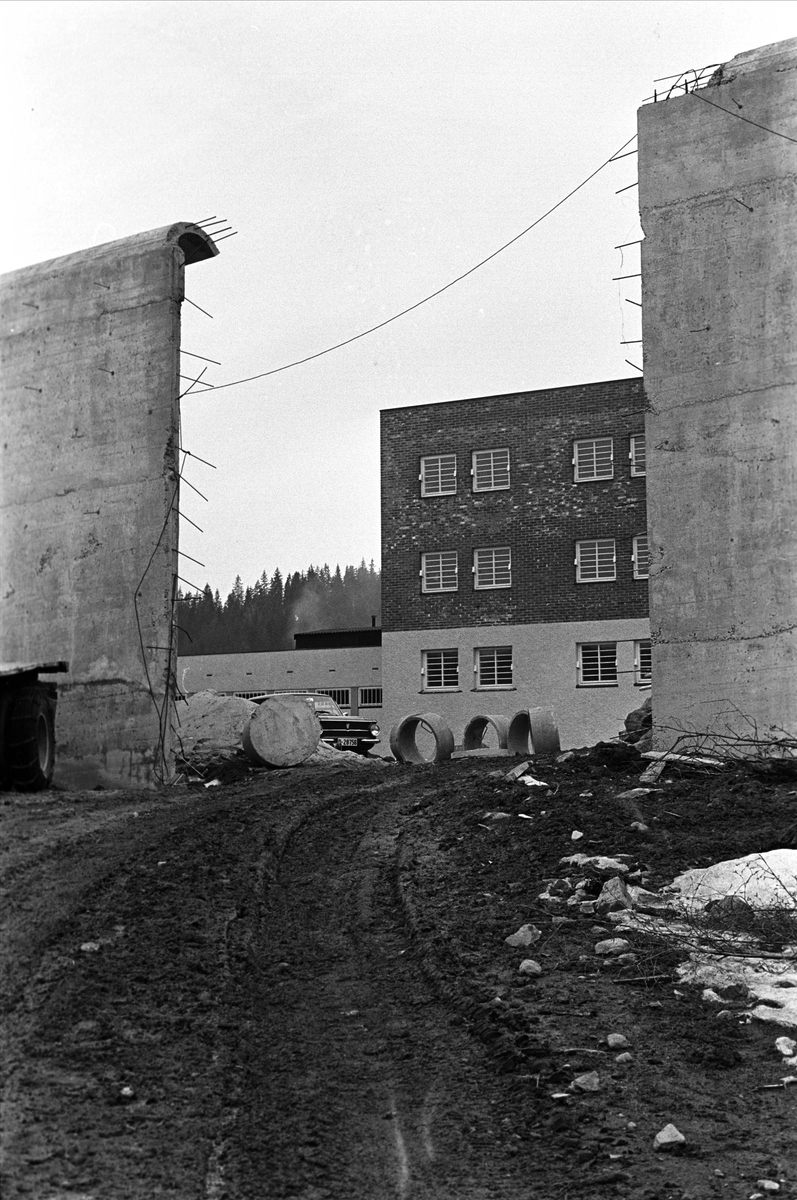 Bærum, 17.04.1963, ny mur rundt Ila Sikringsanstalt.