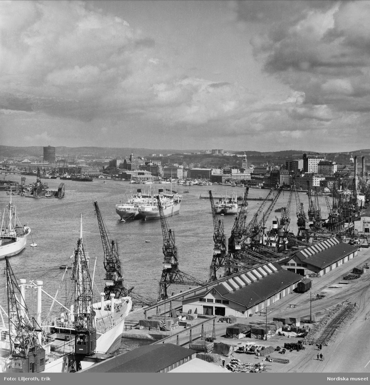 Vy över Göteborgs hamn