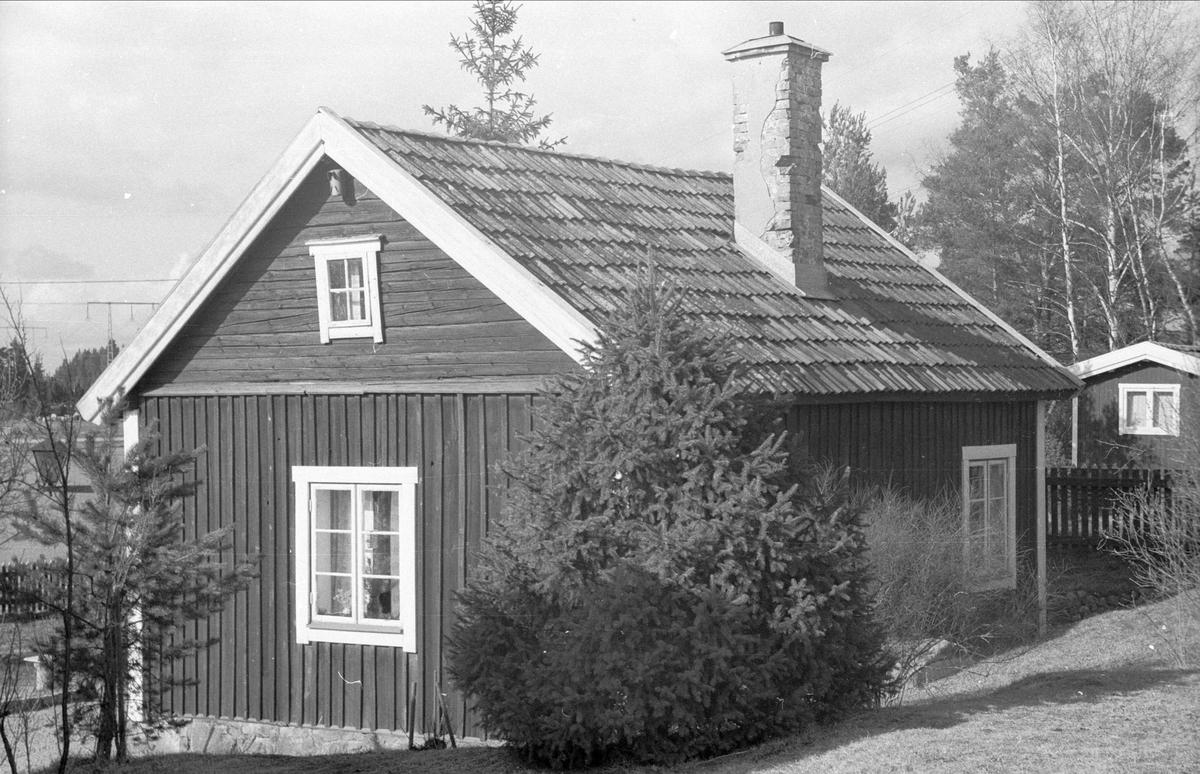 Enkelkammarstuga, Östa 5:1, Ärentuna socken, Uppland 1977