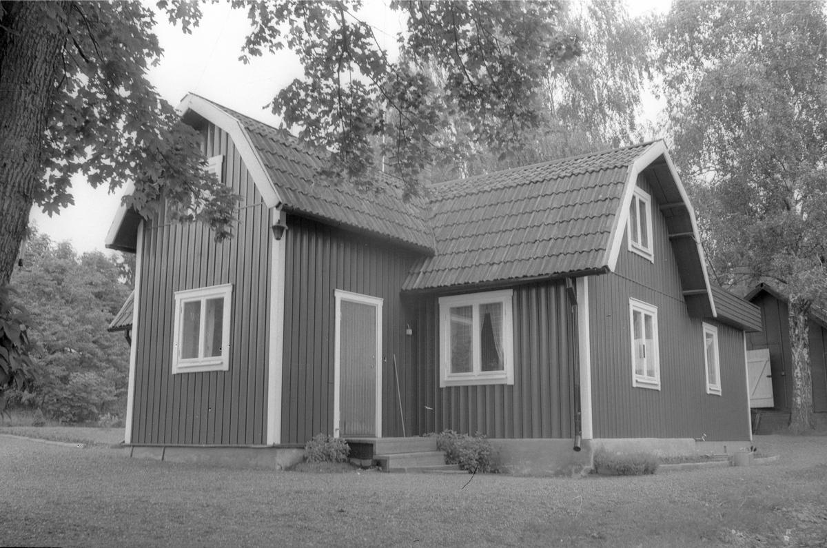 Bostadshus, Stenbytorp, Prästgården 1:2, Lena socken, Uppland 1977