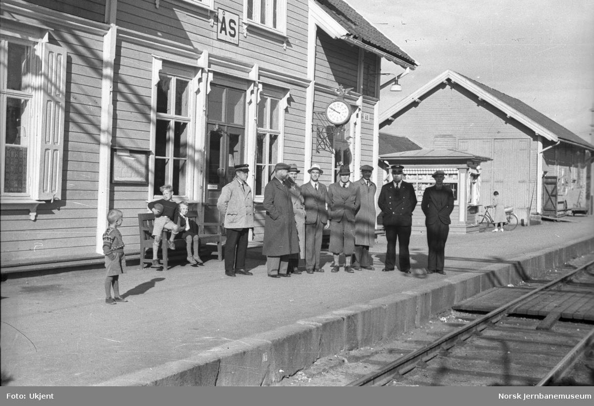 Åpning for elektrisk drift til Ås stasjon?